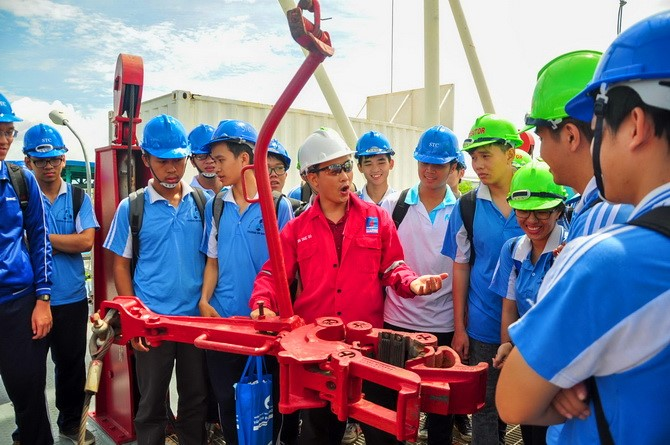 Petroleum Engineering Field Trip: PVD Training and