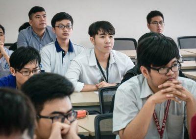 Tân sinh viên K2019 tham dự hội thảo