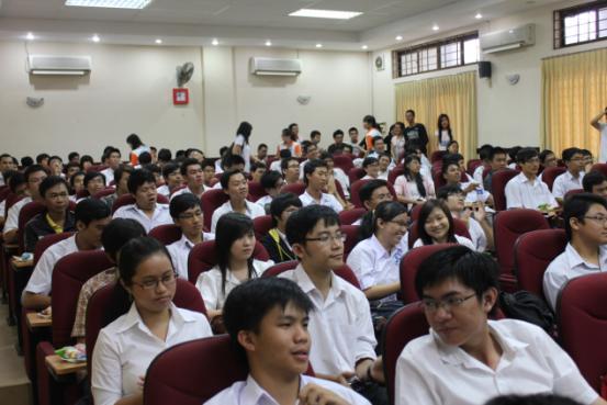 khai-giang-2011-01