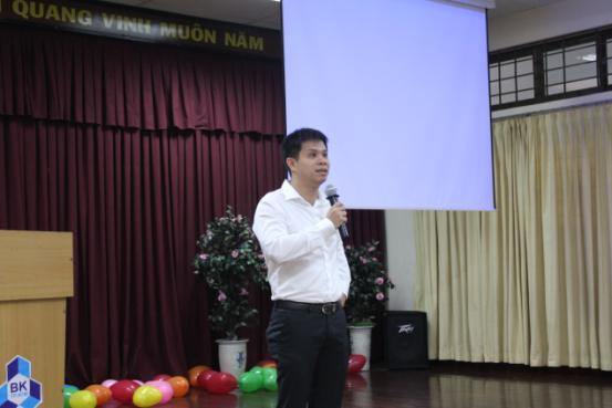 khai-giang-2011-02