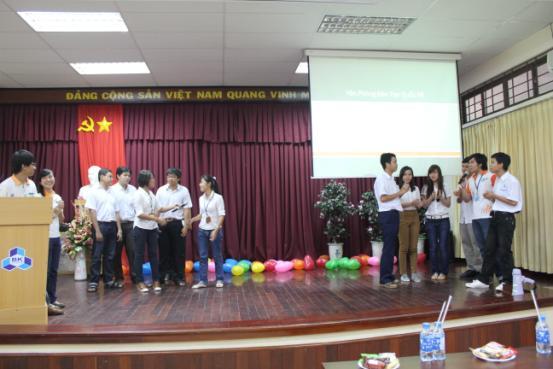khai-giang-2011-04