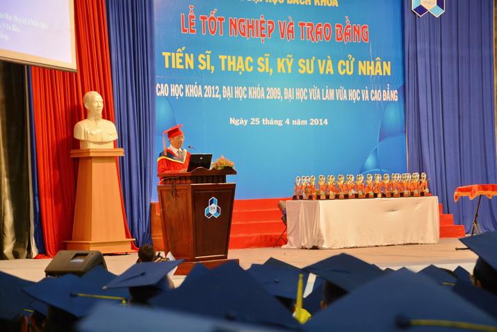 Tot-nghiep-BK-25042014 03
