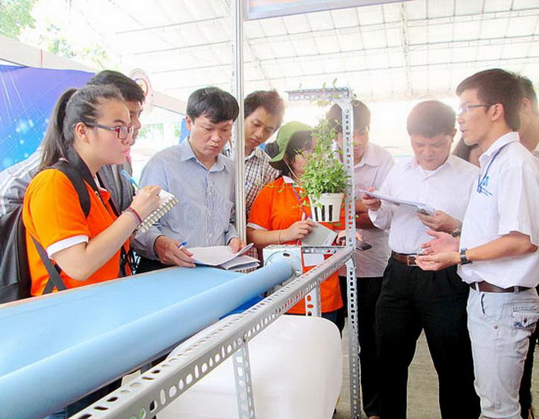 Truong Ngoc Cuong xu ly nuoc mua 03 26521