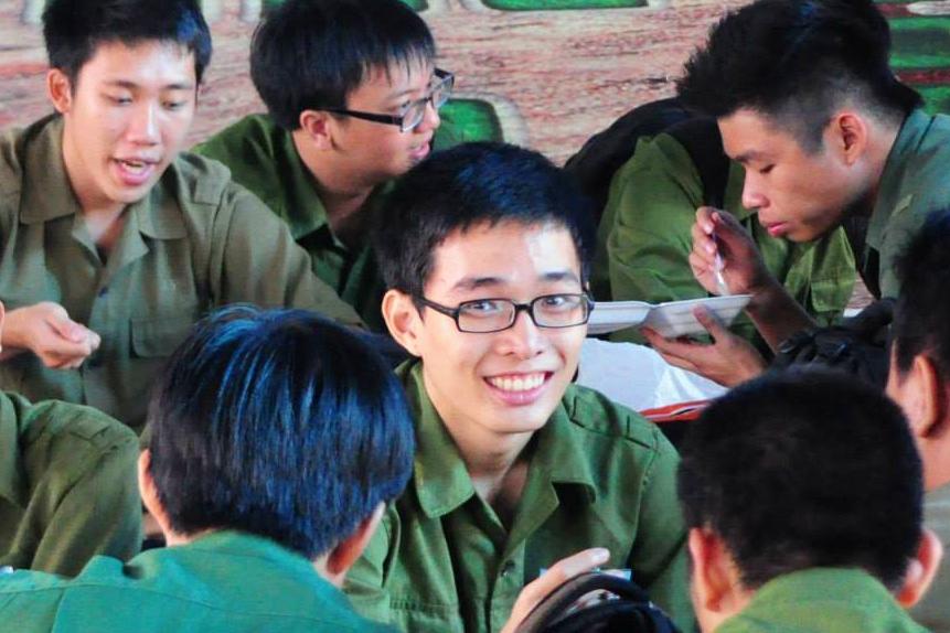 Mai Ton Khiem chu nhan hoc bong toan phan DH Queensland 02