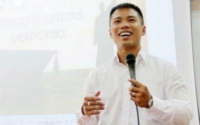 Mai Hồ Duy Tân – SV Tiên tiến K11 nhận Huy chương Bạc tốt nghiệp