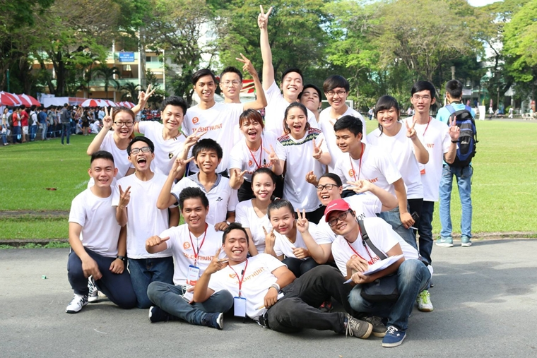 Nguyen Ngoc Thao My SV K14 Truong nhom Nhay Clb Van nghe OISP BOMB 03
