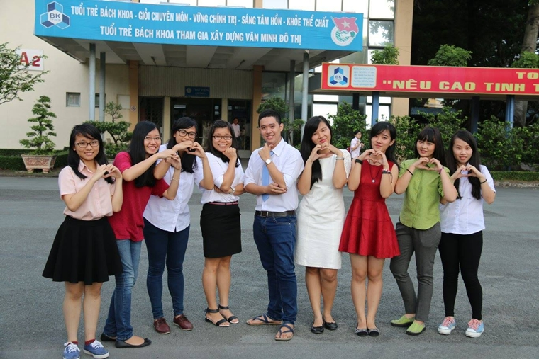 Nguyen Ngoc Thao My SV K14 Truong nhom Nhay Clb Van nghe OISP BOMB 06