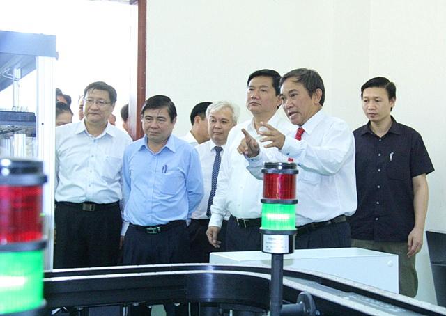 Dinh La Thang DHQG HCM 03