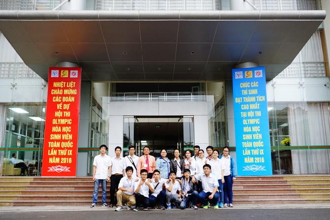 DHBK dat giai Nhi Olympic Hoa 2016 01