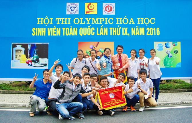 DHBK dat giai Nhi Olympic Hoa 2016 02