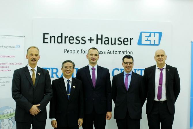 Endress Hauser Bach Khoa 03