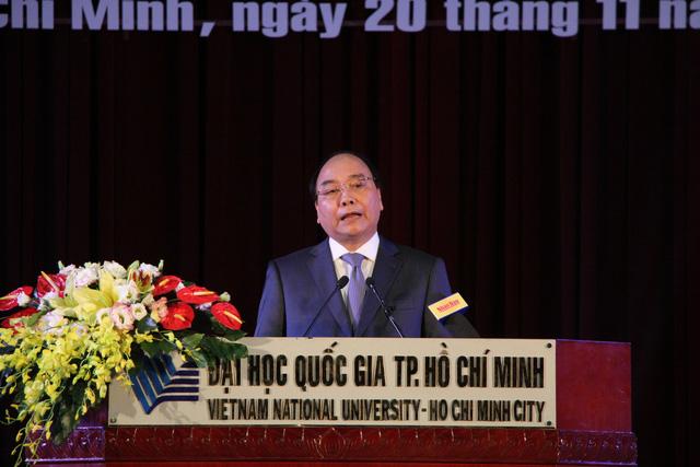 Thu tuong Nguyen Xuan Phuc tham DHQGHCM 02