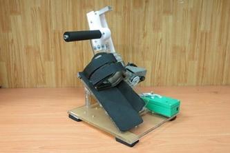 Sinh viên Bách Khoa sáng chế máy trị liệu teo cơ