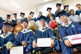 Chúc mừng 28 tân kỹ sư chương trình Tiên tiến