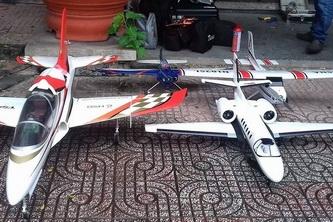SV Bách Khoa trình diễn máy bay mô hình
