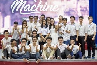 Khai giảng Bách Khoa Quốc Tế 2017: bùng nổ với cỗ máy thời gian