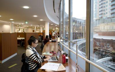 Lý giải hội chứng thích lên thư viện của sinh viên