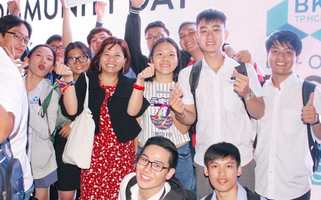 SK13 đăng quang Presentation Contest 2017