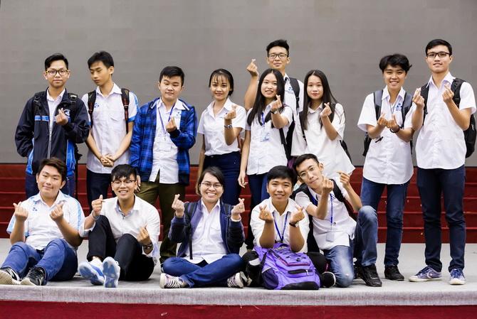 127 TS dau tien trung CLC TT 2018