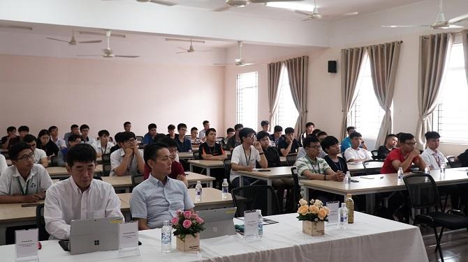 Hội thảo chương trình Kỹ sư Việt Nhật và Tăng cường Tiếng Nhật