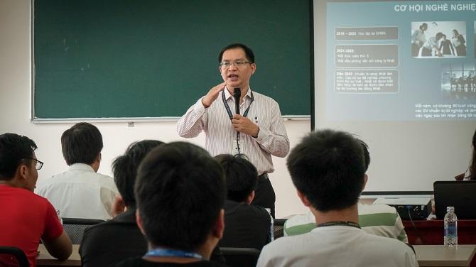 Thầy Đặng Đăng Tùng giới thiệu chương trình VJEP và Tăng cường Tiếng Nhật