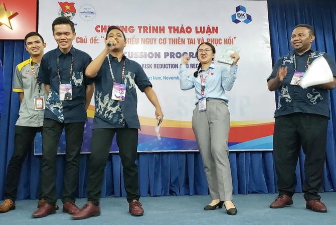 SV Bách khoa Quốc tế giao lưu cùng đại biểu SSEAYP 2019