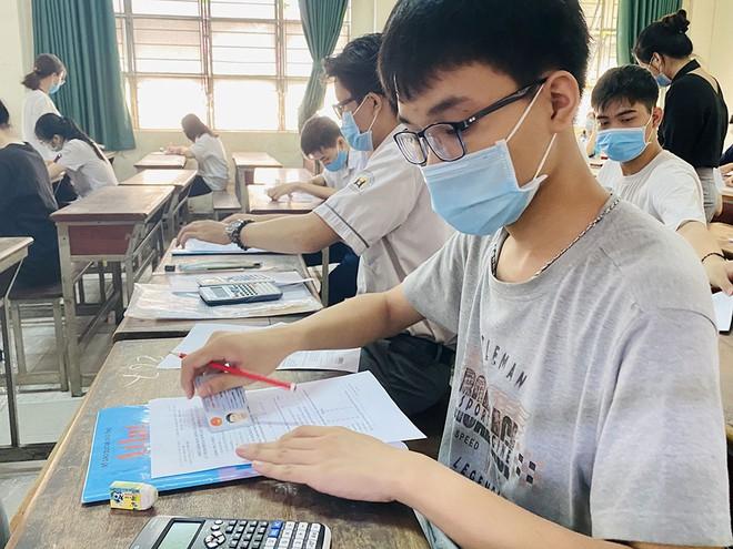 ĐHQG-HCM vẫn tổ chức 2 đợt thi Đánh giá năng lực 2021 | Trường ĐH Bách khoa | Chương trình Chất lượng cao