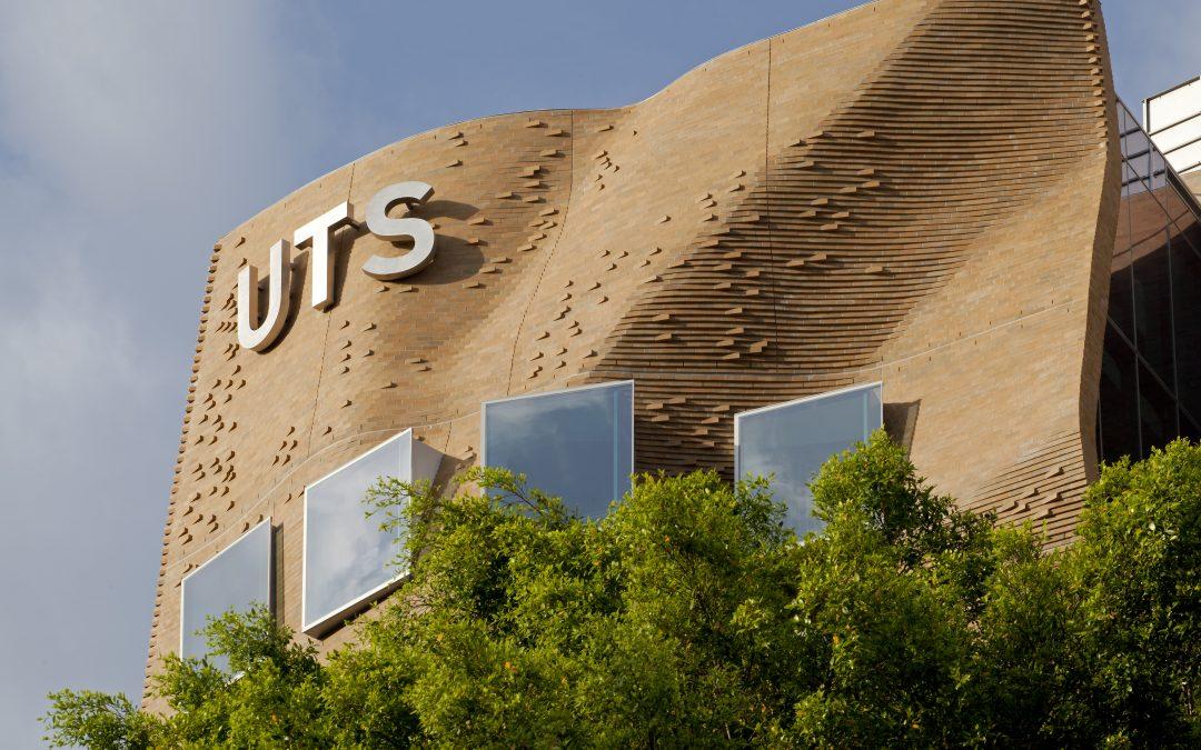 """Chiêm ngưỡng vẻ đẹp """"chưa từng thấy"""" của Dr Chau Chak Wing Building – Tòa nhà khoa Kinh doanh thuộc Đại học Công nghệ Sydney (Úc)"""