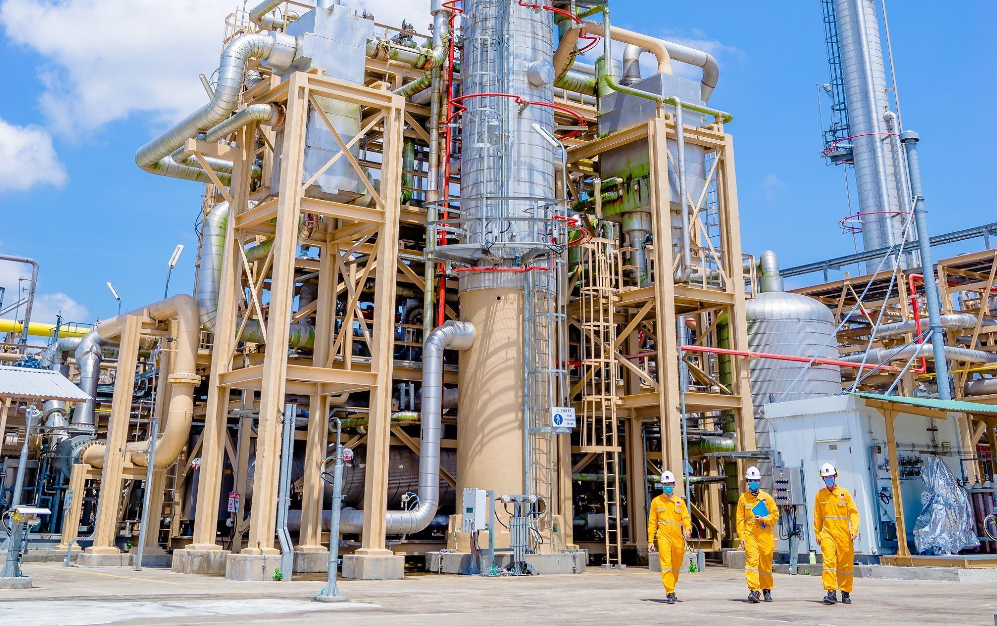 10 công việc chuyên ngành Dầu khí được trả lương cao | Kỹ thuật Dầu khí, chương trình Chất lượng cao, Trường Đại học Bách khoa